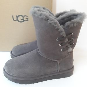 CLEARANCE!! New UGG Constantine Boots 9
